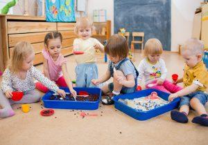 guardería en inglés en Valencia - niños jugando