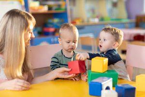 escuelas infantiles en inglés en Valencia - niños en la guarderia