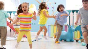 escuela infantil en Valencia - corriendo